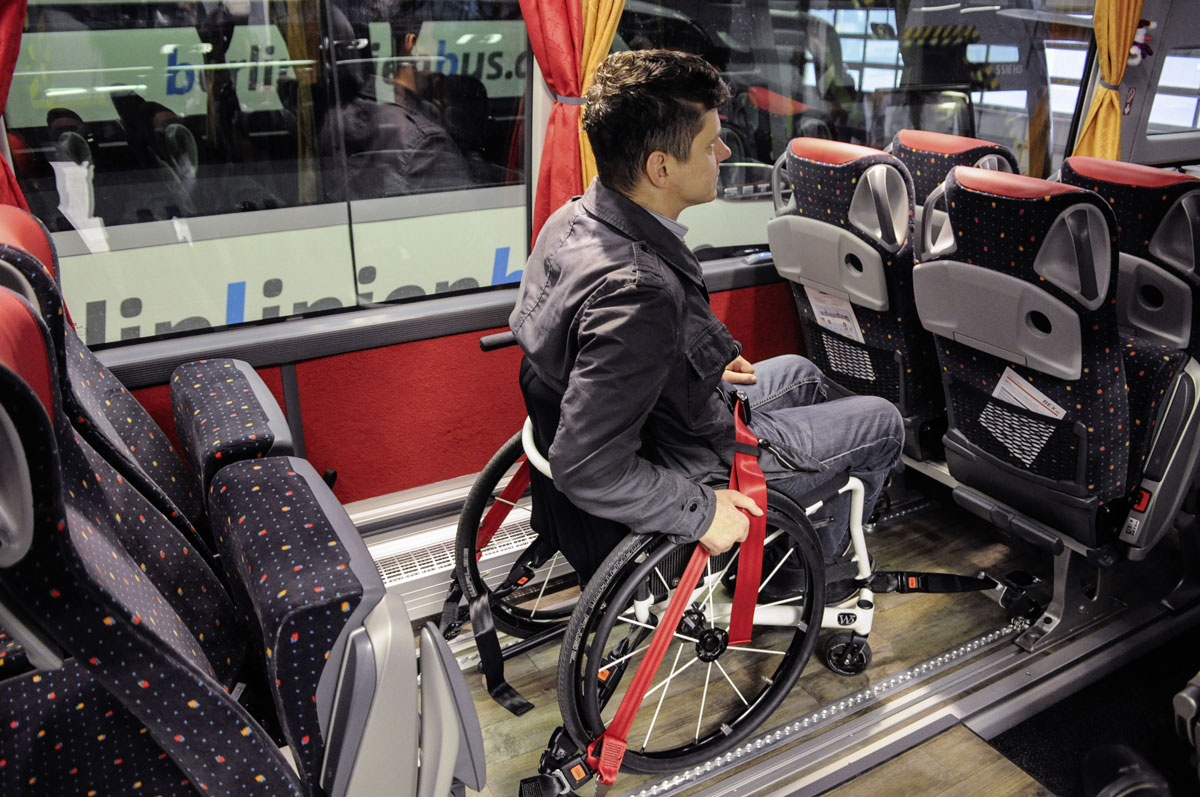 Setra S 516 HD berlinlinienbus.de wheelchair