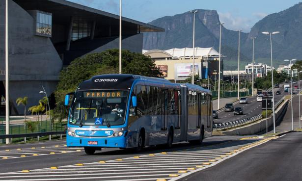 Volvo-Buses-Rio-de-Janeiro-BRT-system