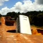 brazil_bus_hole