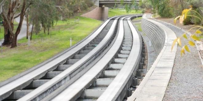 adelaide5_O-Bahn – Adelaide_(Source Flickr – Michael Coghlan)