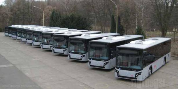 """Pet gradskih i sedam prigradskih autobusa za JKP """"ATP Pančevo"""". © Aleksandar Dragutinović"""