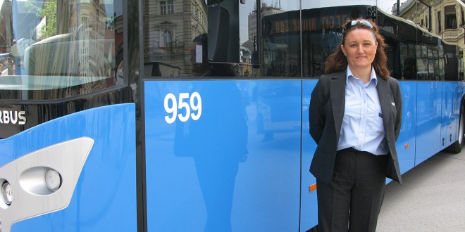 VIDEO: Dragana za volanom plavog autobusa
