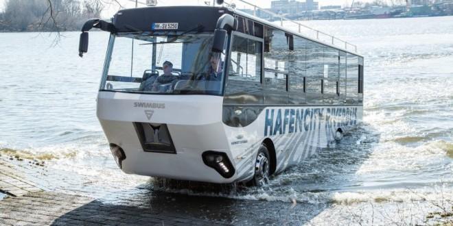 man_hafencity_riverbus1