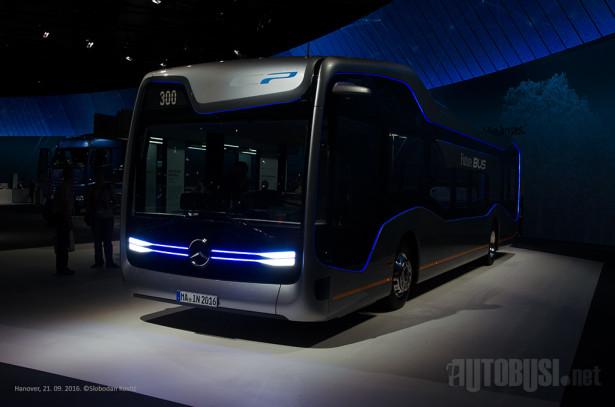 Mercedes-Benz Future Bus, autonomno vozilo na šasiji koju koristi Citaro. © Slobodan Kostić