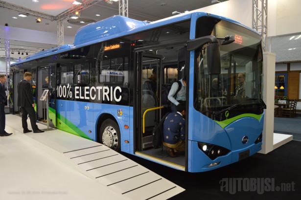 BYD je prošle godine predstavio dvanaestometarski autobus sa troja vrata. © Slobodan Kostić