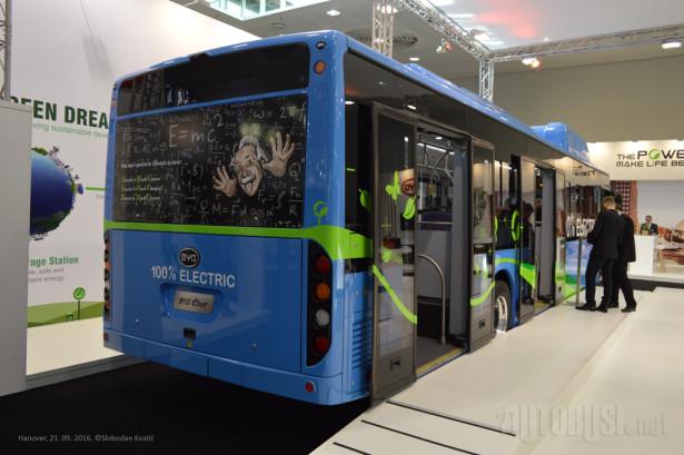 Od nedavno su u ponudi i autobusi sa troja vrata.