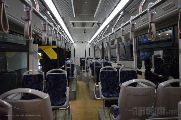 Solo autobus ima sedišta za 26 putnika.