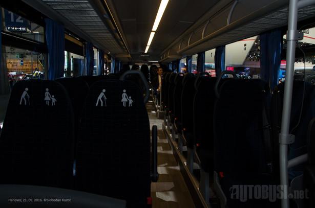 U dužini od 13.2 metra, autobus može da primi 63 putnika.
