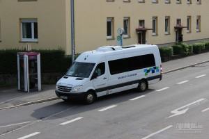 Za prevoz do aerodroma, najčešće i minibus do 19 mesta predstavlja luksuz. ©Goran Dimovski