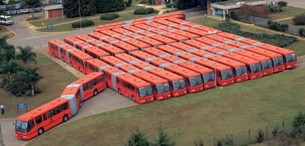 Dvozglobni Volvo autobusi sa Marcopolo Torino karoserijiom za BRT sistem u Kuritibi, Brazil.