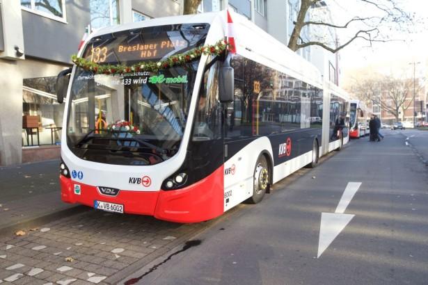 Svečano puštanje u rad potpuno električne autobuske linije u Kelnu © Jörg Heupel