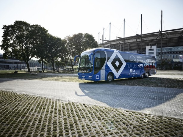 Plavi Lion's Coach L za Hamburger SV, takođe u vezi od 2010. godine. © MAN Truck & Bus