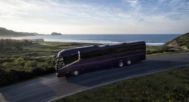 Velika pažnja u projektovanju je posvećena i aerodinamici kao i smanjenju mase praznog vozila. © Irizar