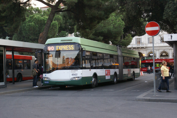 Nakon dužeg prekida, 2005. godine je uspostavljena trolejbuska linija. © André Knoerr, Flickr