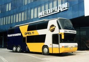 Šampion Formule 1, Keke Rozberg, je učestvovao u izradi autobusa za svoj tim. © MAN Truck & Bus