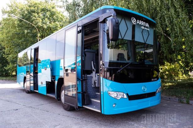 Autobus privlači pažnju svojim nenametljivim i svedenim dizajnom. © Slobodan Kostić