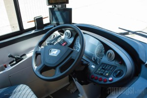 Novi volan i monitori sa video nadzorom. © Slobodan Kostić