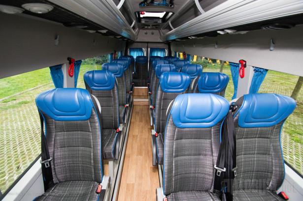Imitacija brodskog poda sve prisutnija među autobusima. © Slobodan Kostić