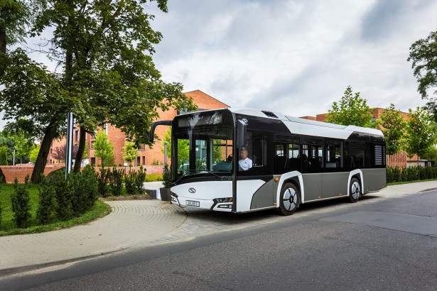 Prepusti isti a međuosovinski razmak najmanji u gami. © Solaris Bus & Coach