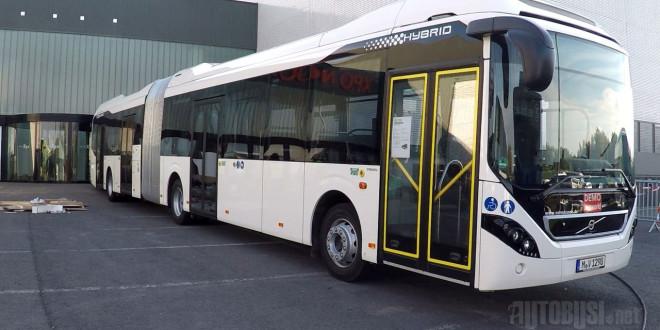 Volvo7900A_hybrid_kortrijkXpo