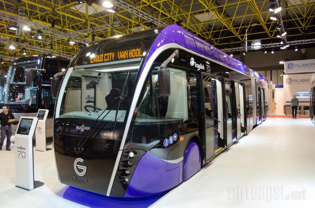 Beli veo skinut sa prvog od trideset autobusa za budući BRT u Belfastu.