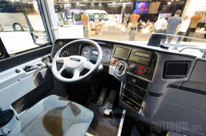 TDX 20 i TDX 21 autobusi imaju dvokrilna prednja vrata i mesto za invalide iza vozača.