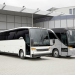Setra: Links S 407 CC und rechts S 417 TC.   Setra: S 407 CC (left) and S 417 TC (right)
