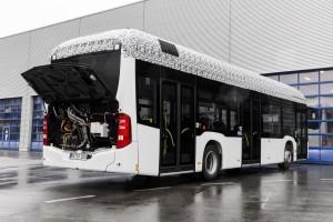 Mercedes-Benz Citaro mit vollelektrischem Antrieb, Exterieur, 2 x elektrischer Radnabenmotor, 2 x 125 kW, 2 x 485 Nm   Mercedes-Benz Citaro with full-electric drive system, exterior, 2 x electric hub motor, 2 x 125 kW, 2 x 485 Nm