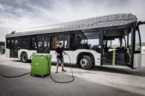 Mercedes-Benz Citaro mit vollelektrischem Antrieb, Exterieur, 2 x elektrischer Radnabenmotor, 2 x 125 kW, 2 x 485 Nm, Sommererprobung 2017, Spanien   Mercedes-Benz Citaro with full-electric drive system, exterior, 2 x electric hub motor, 2 x 125 kW, 2 x 485 Nm, summer testing 2017, Spain