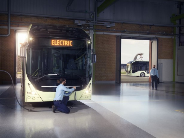Volvo7900_Electric_Depot_charging_2017