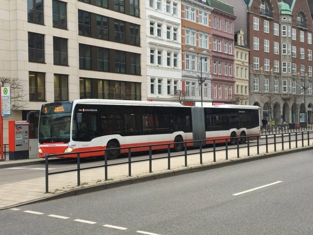 mercedes-benz-capacity-hochbahn