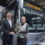 "Die Jury ""Bus of the Year"", internationale Fachjournalisten aus 22 Ländern, hat den Mercedes-Benz Citaro hybrid zum Bus of the Year 2019 gewählt. Anlässlich der IAA Nutzfahrzeuge in Hannover hat der Jury-Vorsitzende Tom Terjessen (rechts) die begehrte Trophäe an Till Oberwörder, Leiter Daimler Buses, übergeben.   The Bus of the Year jury, international trade journalists from 22 countries, voted the Mercedes-Benz Citaro hybrid Bus of the Year 2019. Chairman of the jury, Tom Terjessen (right), presented the prestigious award to Till Oberwörder, Head of Daimler Buses, at the IAA Commercial Vehicles exhibition in Hanover."