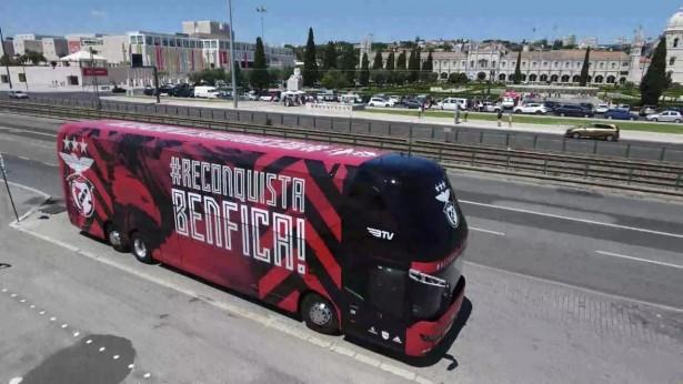 Neoplan_Skyliner_Benfica_1
