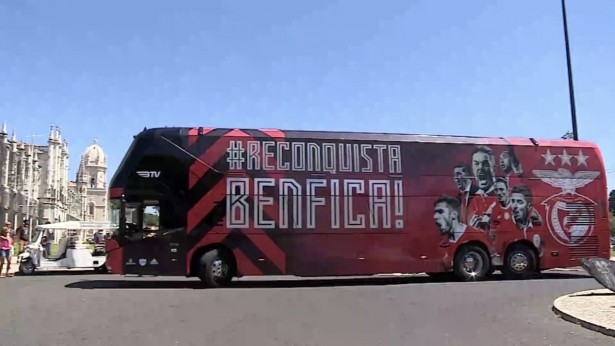 Neoplan_Skyliner_Benfica_2