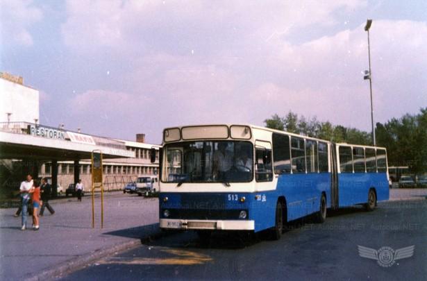 Prvi zglobni autobusi Volvo isporučeni su početkom 1982. godine. © Arhiva JGSP, sken Autobusi.NET