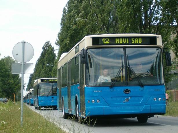 25 niskopodnih autobusa na šasiji Volvo B9L Neobus ispoučuje jula 2007. godine © Saša Conić