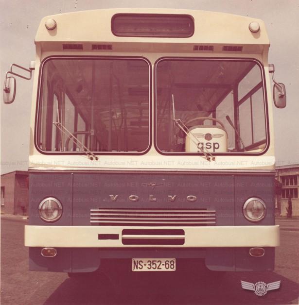 Ikarus IK-4 prvi Volvo autobus u Novom Sadu. Foto Arhiva JGSP, sken Autobusi.NET