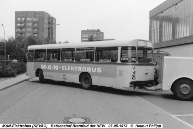 Električni MAN 750 izlazi iz hamburške elektrane 1973. godine. © Helmut Philipp
