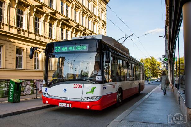 """Trolejbuske linije često u službi """"fidovanja"""" tramvaja. © Slobodan Kostić"""