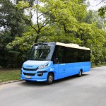 Novosadski Feniksbus pobedio na tenderu za osam midibusa za Novi Sad. Foto: Feniksbus, Fotomontaža: Slobodan Kostić