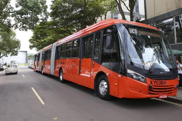 ScaniaF360HA_Caio_Curitiba_1
