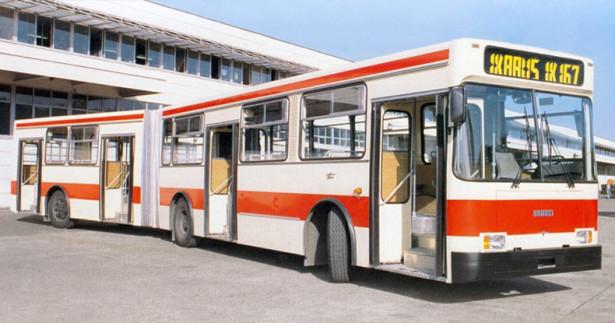 IK-167 iz 1992. godine prvi pokušaj modernizacije autobusa IK-161. © Ikarbus