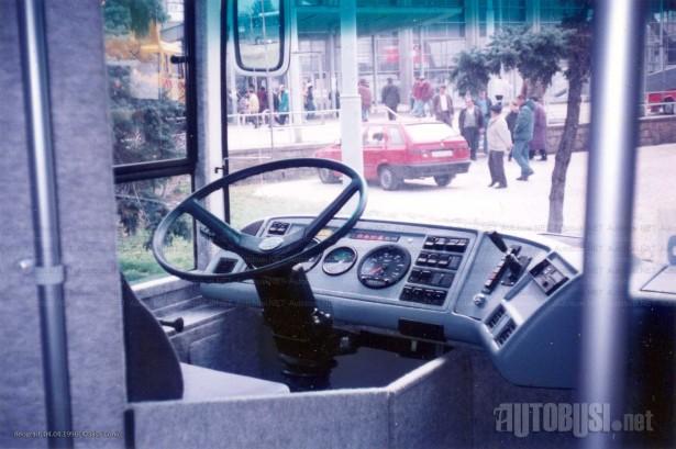 Vozačko radno mesto preuzeto sa Volvo turističkih autobusa. © Saša Conić
