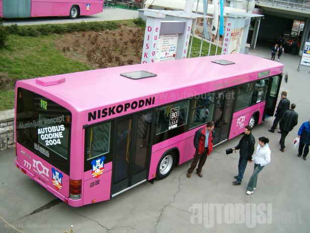 Dva Hess CO_BOLT autobusa poslata za Zemun u delovima. © Saša Conić