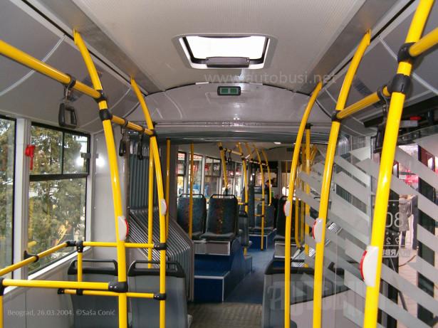 Autobusi predstavljeni na Sajmu automobila 2004. godine u Beogradu. © Saša Conić