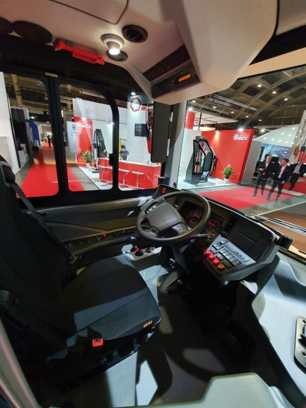 Radno mesto vozača u Volvo maniru. Foto: Saša Conić