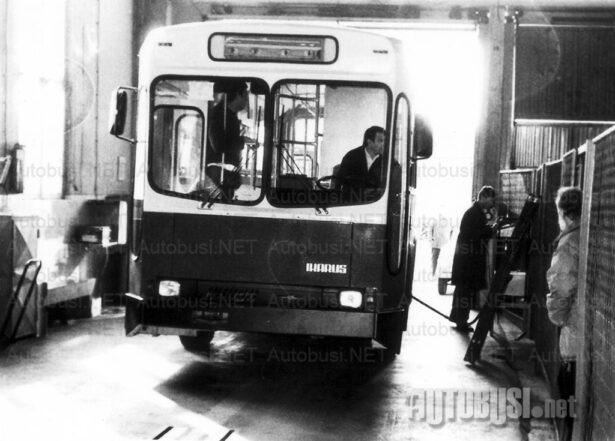 Ikarus IK-110/160: (11) Automatici